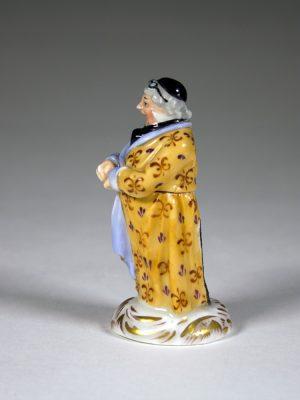 K&C_Prag_Porcelain_Figure_3