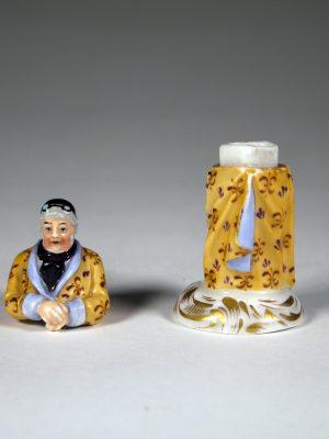 K&C_Prag_Porcelain_Figure_34