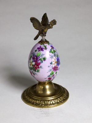 Imperial_Porcelain_Bronze_Egg_1