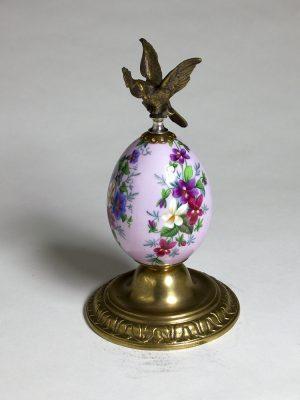 Imperial_Porcelain_Bronze_Egg_5